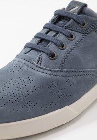 ECCO - COLLIN - Sneakersy niskie - ombre/denim blue - 5