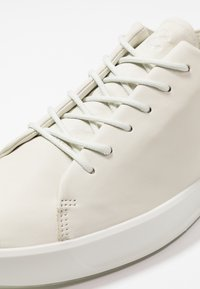 ecco - SOFT 8 - Sneakers - shadow white - 5