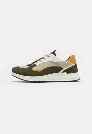 ST.1 M - Sneakersy niskie - grape leaf