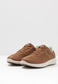 ECCO - SOFT RUNNER - Trainers - camel/shadow white - 2