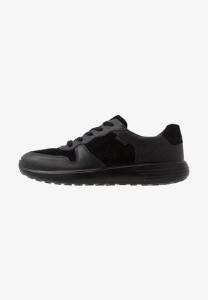 SOFT RUNNER - Sneakersy niskie - black
