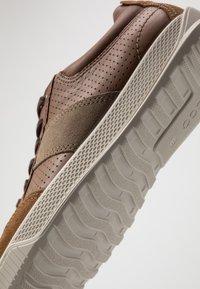 ECCO - BYWAY - Sneakersy niskie - camel/cocoa brown/navajo brown - 5