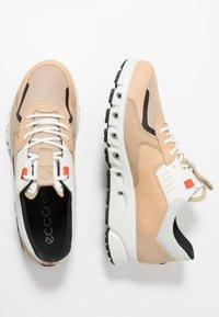 ECCO - MULTI-VENT - Sneakersy niskie - multicolor powder - 1