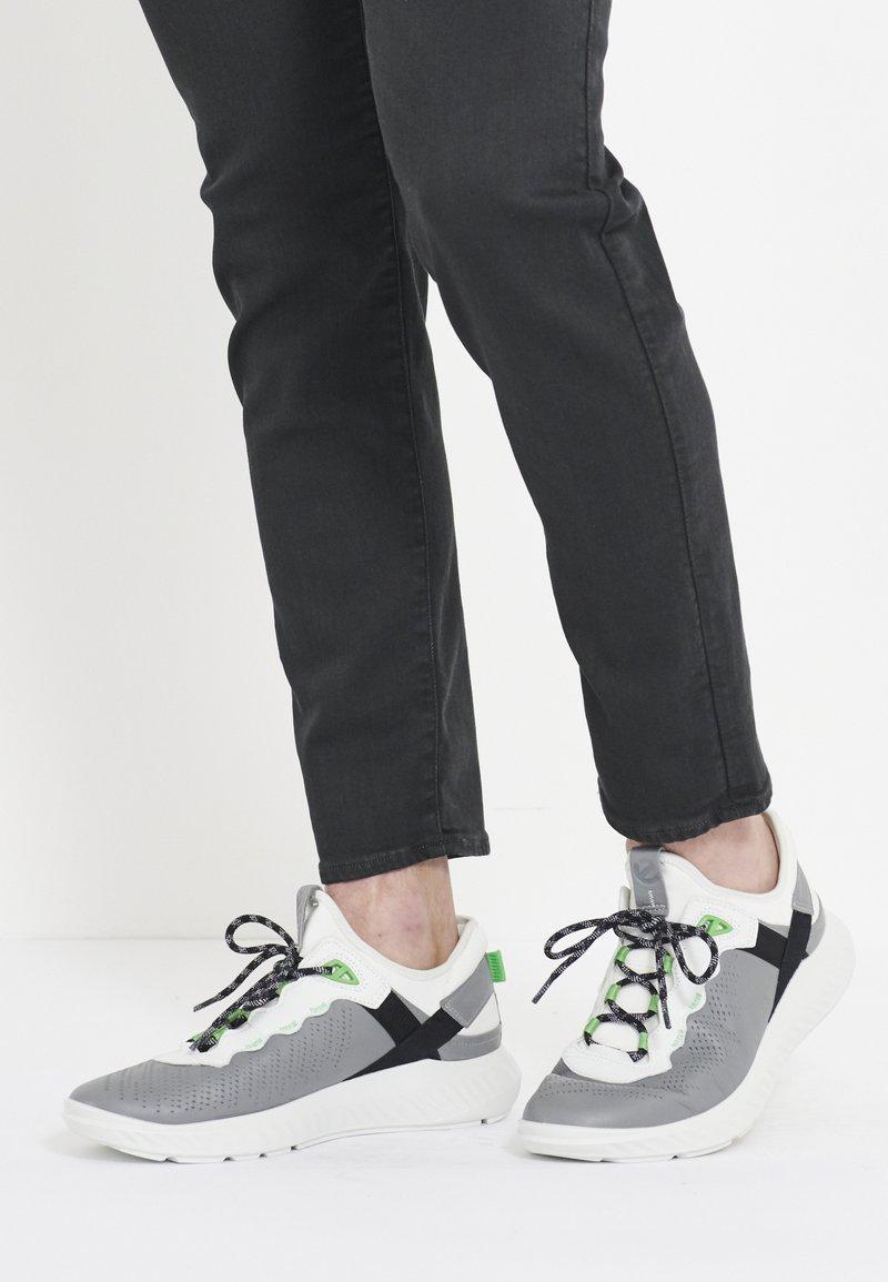 ecco - ST.1 LITE - Sneakersy niskie - wild/white