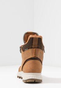 ecco - EXOSTRIKE KIDS - Šněrovací kotníkové boty - amber - 4