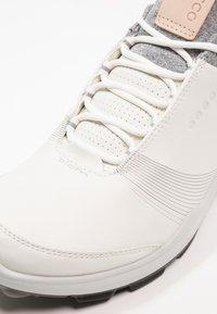 ecco - BIOM HYBRID 3 - Golfschoenen - white/black - 5