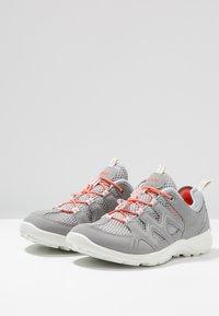 ecco - TERRACRUISE - Hiking shoes - silver grey/silver metallic - 2