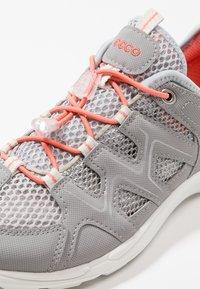 ecco - TERRACRUISE - Hiking shoes - silver grey/silver metallic - 5
