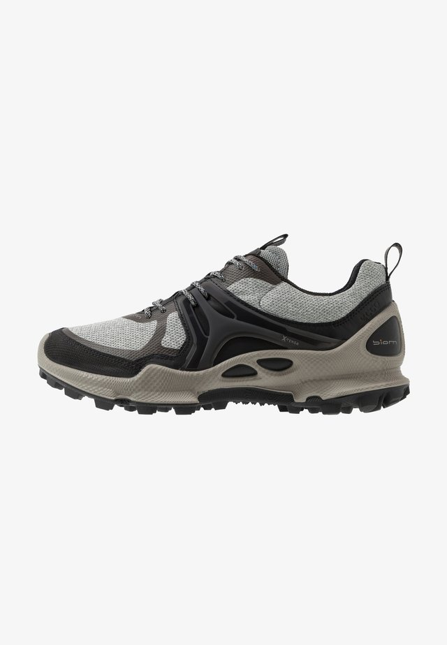 BIOM C-TRAIL - Outdoorschoenen - black/wild dove