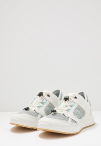ECCO - EXOSTRIDE - Hiking shoes - shadow white/eggshell blue