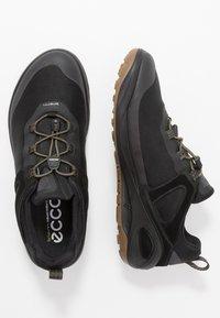 ecco - BIOM 2GO - Outdoorschoenen - black/tarmac - 1