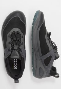 ECCO - BIOM 2GO - Obuwie hikingowe - dark shadow/titanium/black - 1