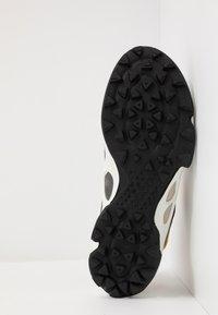 ECCO - BIOM C-TRAIL - Hiking shoes - gravel/merigold/white - 4