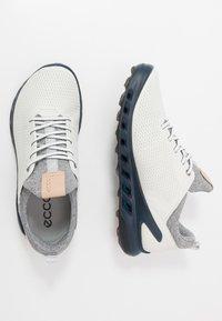 ECCO - M. BIOM COOL PRO - Obuwie do golfa - white/scarlet - 1