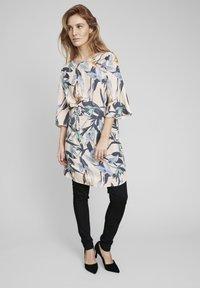 ECHTE - Day dress - sweet tropic - 1