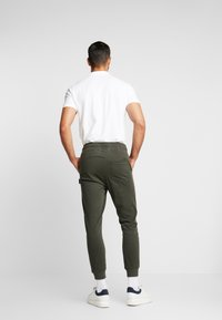 Be Edgy - BELUNIK - Jeans Tapered Fit - khaki - 2