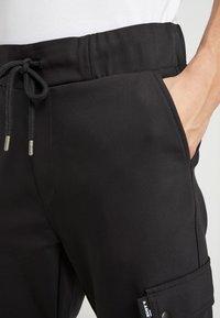 Be Edgy - LORENZ - Pantalones cargo - black - 4