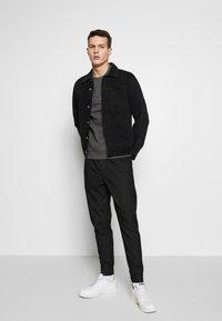 Be Edgy - FINN - Kalhoty - black - 1