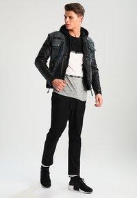 Be Edgy - BEMAX D - Jeansjacke - black/indigo - 1