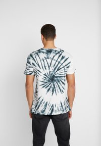 Be Edgy - GIGGSEN - T-Shirt print - offwhite - 2