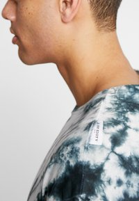Be Edgy - GIGGSEN - T-Shirt print - offwhite - 3
