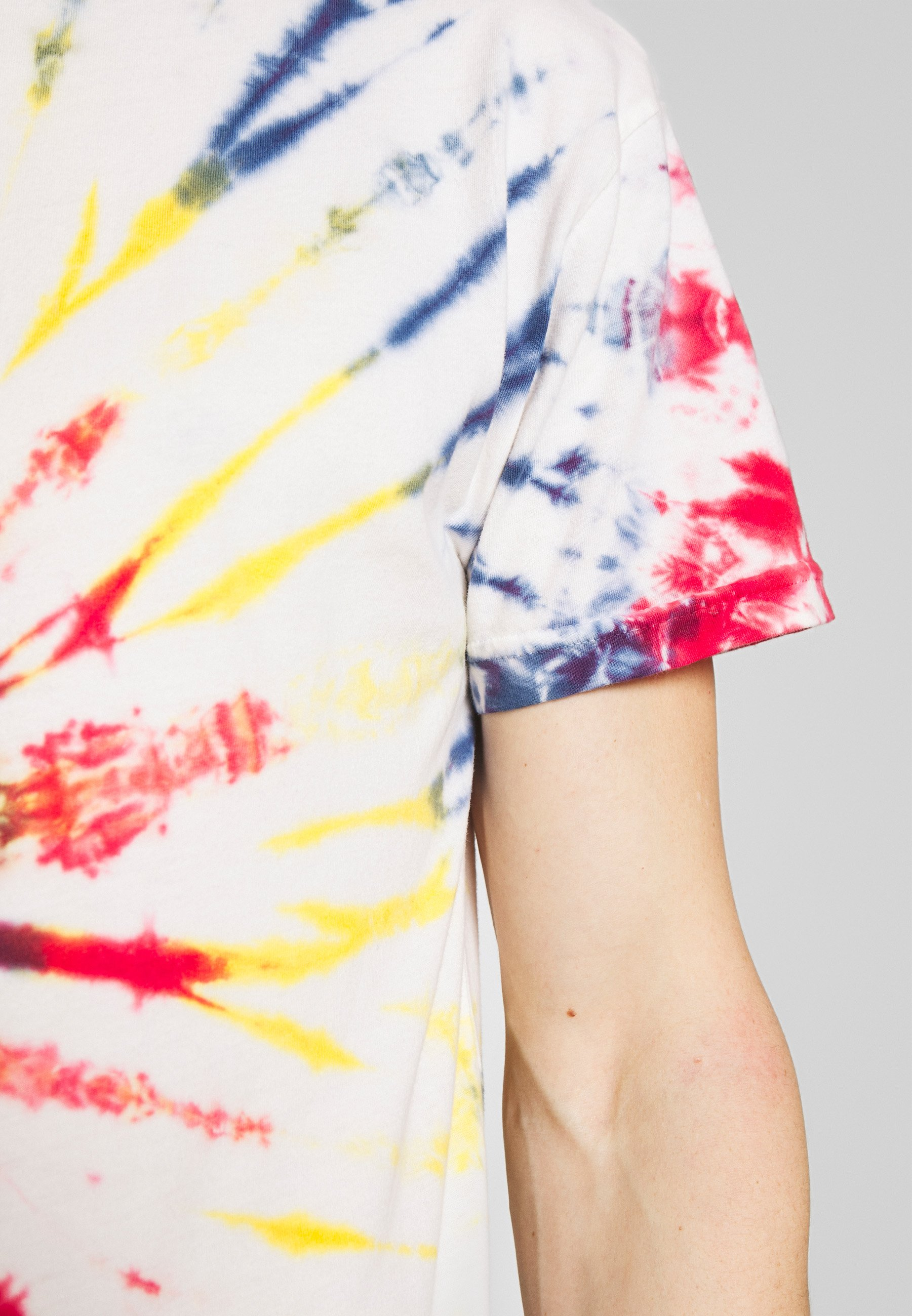 Be Edgy GIGGSEN - T-shirt z nadrukiem - multi-coloured
