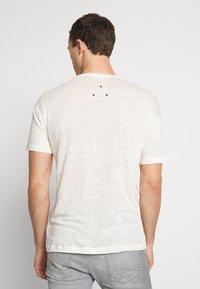 Be Edgy - BEJAKE - Camiseta estampada - offwhite - 2