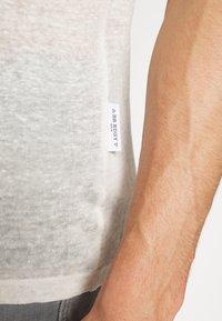 Be Edgy - BEJAKE - Camiseta estampada - offwhite - 6