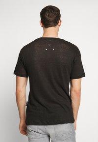 Be Edgy - BEJAKE - T-shirts print - black - 2