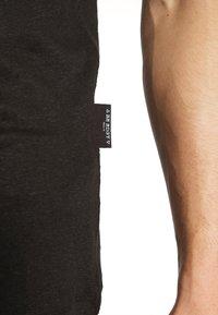 Be Edgy - BEJAKE - T-shirts print - black - 6