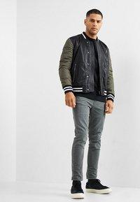 Be Edgy - OLIVER - Sweatshirt - black - 1