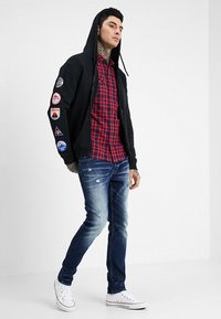 Be Edgy - BEWOLLF - veste en sweat zippée - black - 1