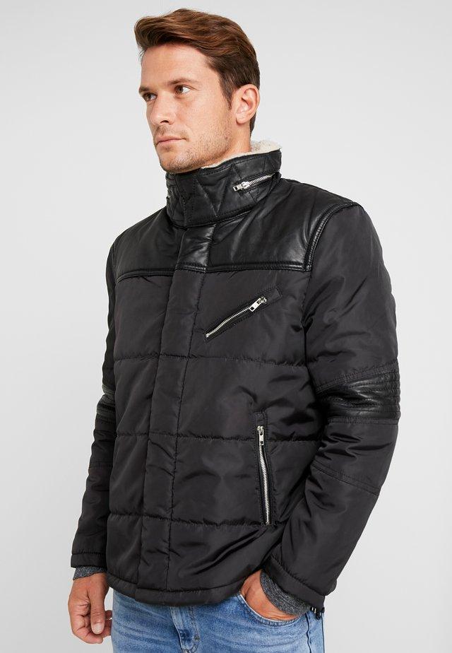 BEDWAYNE - Light jacket - black