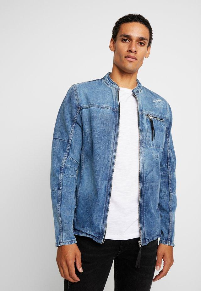 BETRAVER - Denim jacket - indigo mid