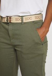 edc by Esprit - Chinosy - khaki green - 3