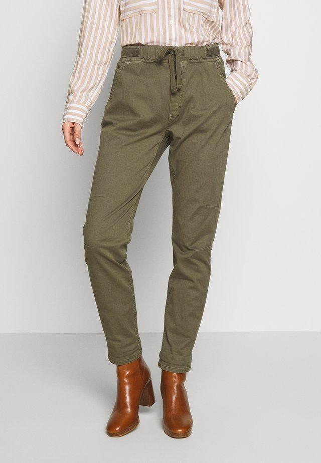 Pantalones - khaki green