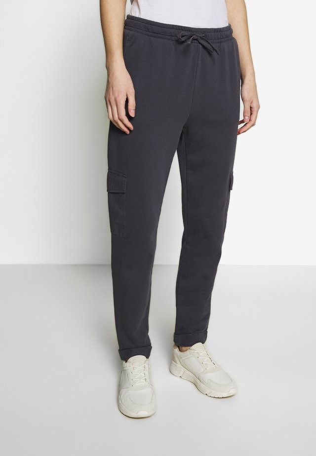 OTB PANT - Pantalones deportivos - gunmetal