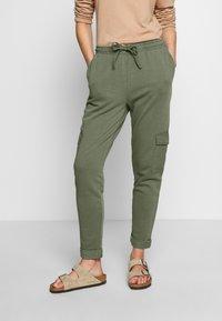 edc by Esprit - OTB PANT - Joggebukse - khaki green - 0