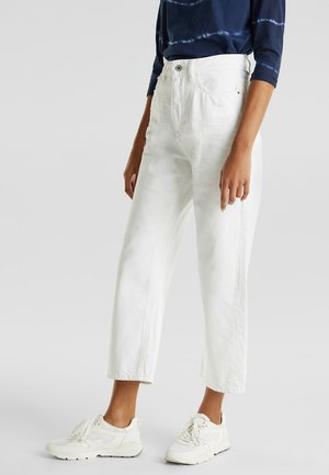 MIT WRINKLE-EFFEKTEN - Straight leg jeans - white