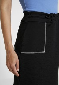 edc by Esprit - SKIRT SOLID - Spódnica mini - black - 4