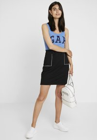 edc by Esprit - SKIRT SOLID - Spódnica mini - black - 1
