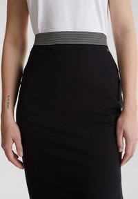 edc by Esprit - TUBE SKIRT - Pencil skirt - black - 4