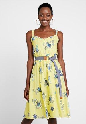 SOFT  - Sukienka letnia - light yellow