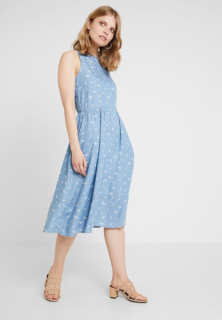 edc by Esprit - DRESS KNOT - Jeanskleid - blue light wash