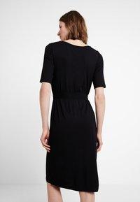 edc by Esprit - BELTED DRESS - Jerseykjole - black - 3