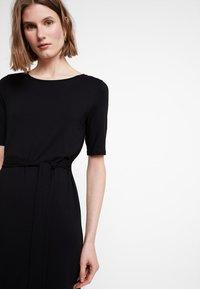 edc by Esprit - BELTED DRESS - Jerseykjole - black - 4