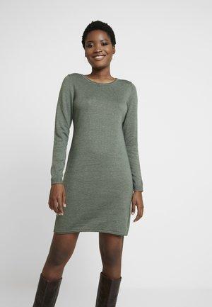Strikket kjole - khaki green