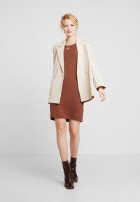 edc by Esprit - Pletené šaty - rust brown - 2