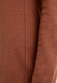 edc by Esprit - Pletené šaty - rust brown - 6