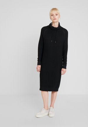 TUNNEL NECK - Gebreide jurk - black